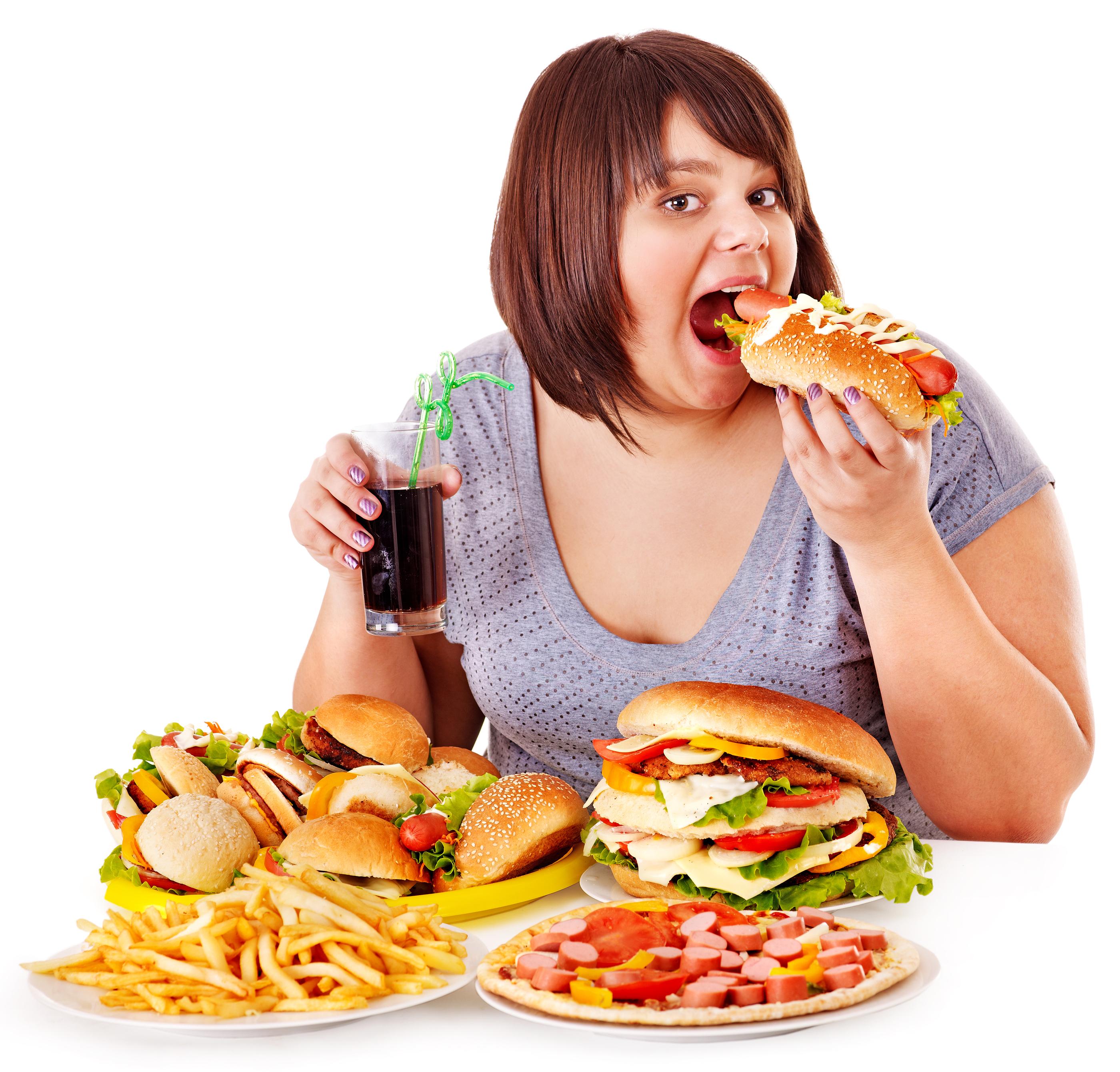 Akşam sekizden sonra yenilen yemek kilo aldırmıyor