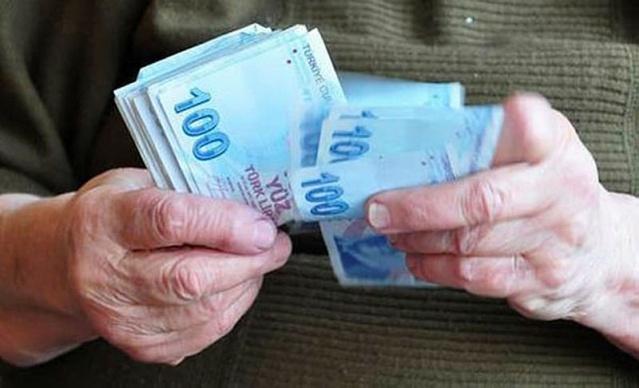 Emekli olmak için yaş şartını doldurmuş olmasına rağmen, sigortalılık süresini veya prim ödeme gün sayısını dolduramamış kişi isterse Sosyal Güvenlik Kurumu'na (SGK) ödediği primleri geri alabiliyor. Konu hakkında detayları Yeni Asır yazarı Faruk Erdem köşesinden paylaştı.  İşte o yazı: