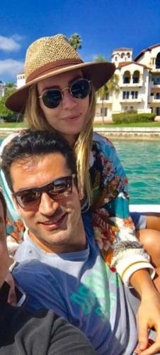 Eşi Kenan İmirzalıoğlu'yla mavi tura çıkan güzel oyuncu makyajsız halini sevenleriyle paylaştı.