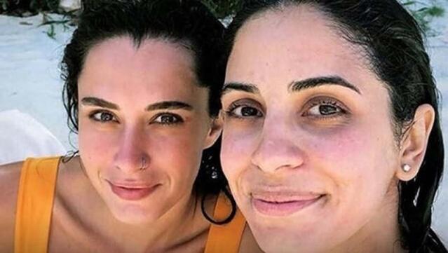 Marmaris'te tatil yapan 5 aylık hamile Beyza Şekerci ile Hande Doğandemir de bu akıma uydu. İki oyuncu, önceki gün sıfır makyajla poz verdi.