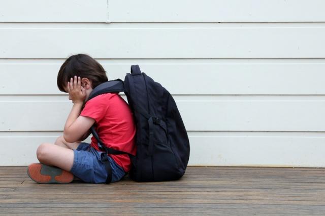 İstismar, ruhsal olarak çocuğu ömür boyu etkileyen bir travma. Anne babaların da kabullenmekte çoğu zaman zorluk çektikleri, kabul ettiklerinde ise büyük bir yıkım yaşadıkları istismar, her toplumda üstelik toplumun her kesiminde görülüyor. Acıbadem Bodrum Hastanesi Uzmanlarından Psikolog Seren Öztoprak, çocuğun çok dikkatle korunmasına rağmen, bazen istismarcıların çok yakın tanıdıklardan biri olmasının, fark edilmesini zorlaştırdığına dikkat çekiyor.