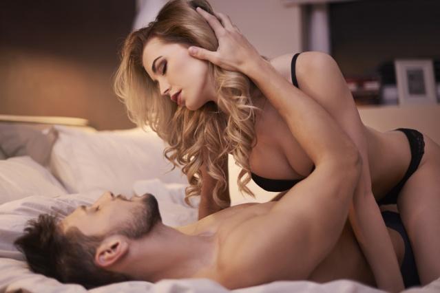Cinsel yaşamınızda aralıklı olarak cinsel isteksizlik olabilir bunun nedeni çok çeşitli nedenlere dayanabilir ancak korkmayın libidoyu arttırmanın çözümü doğada bulunuyor. Yapmanız gereken tek şey ne tüketmeniz gerektiğini bilmek! Cinsel isteği arttırmanın yolu bu bitkileri tüketmekten geçiyor...