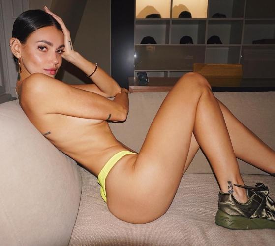 Seksi güzel Marianne Fonseca, bir sonraki Adriana Lima veya Alessandra Ambrosio olarak gösteriliyor.