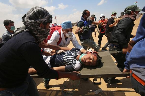 Filistin, Gazze'de İsrail askerleri tarafından düzenlenen saldırılar için 'korkunç bir katliam' ifadesini kullandı. Batı Şeria'daki Filistin yönetimi, İsrail'i 'Gazze'de katliam yapmakla' suçladı.