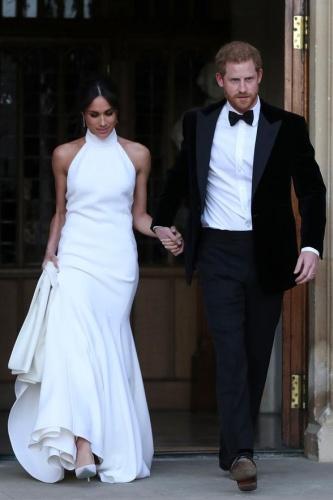 Meghan Markle, Prens Harry ile dün Windsor'daki St George Şapeli'nde evlendi. Böylelikle Prens Harry Sussex Dükü, müstakbel eşi Meghan Markle da Sussex Düşesi oldu.