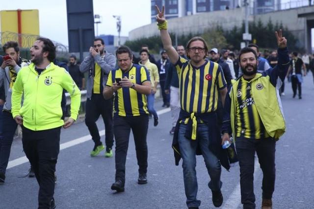 Ligin 11. haftasında Galatasaray ile Fenerbahçe karşı karşıya gelecek.