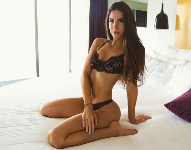 Daha önce ismi NBA yıldızı Porzingis ile anılan dünyaca ünlü fitness modeli Jen Selter, İstanbul'a geldi.