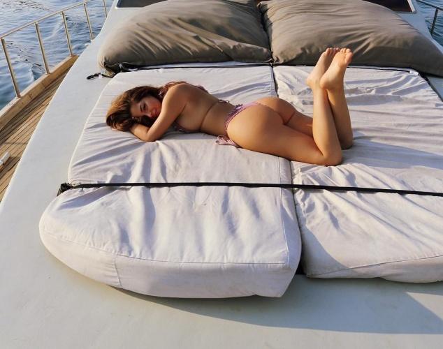 Ağzı açık bıraktıran vücut hatlarıyla ünlenen Demi Rose, ınstagram hesabından paylaştığı fotoğraflarıyla büyülüyor.