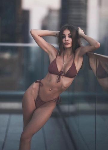 Rus model ve oyuncu Daria Konovalova sosyal medyada paylaştığı fotoğraflarla adından sıkça söz ettiriyor...