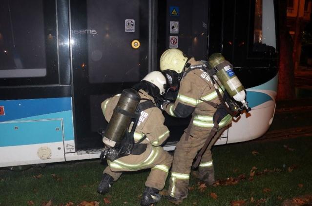 İzmir tramvayında yangın tatbikatı yapıldı.