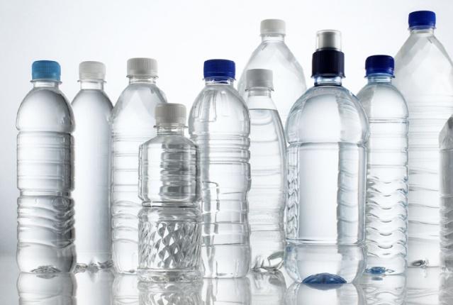 Dondurucular dolu olduğunda daha verimli çalışır. Bu nedenle boş kalan kısımlara su doldurduğunuz şişeleri koyabilirsiniz.