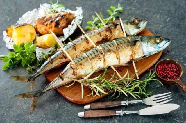 FOSFOR ALIN  Haftada bir kere balık yiyin Balıkta vücudun ihtiyacı olan en önemli yağlar mevcut ve bu yağlar metabolizma hızını da arttırıyor zayıflamayı da kolaylaştırıyor.