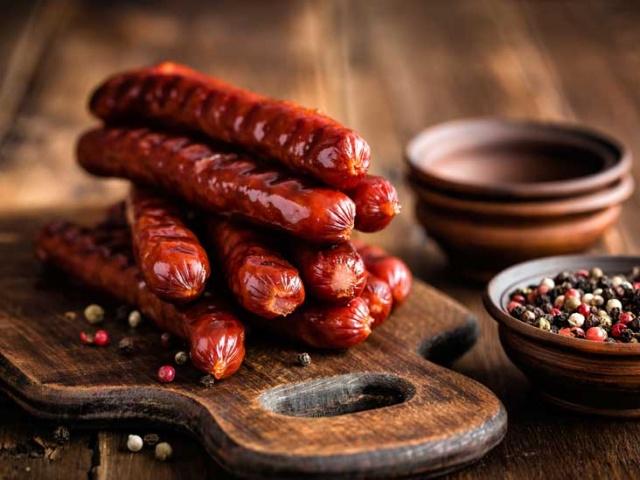 1. İşlenmiş et  Zararlı içerik: Nitrat, aşırı tuz