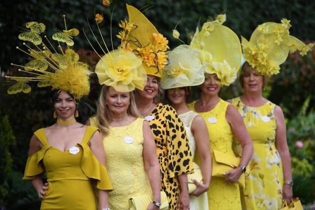 Royal Ascot yine birbirinden ilginç şapkalarla öne çıktı