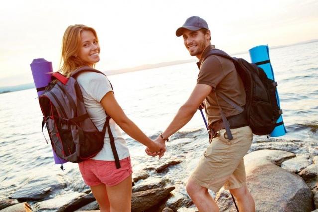EKİP RUHUNU KAVRAYIN!  Tatilde biribirinizi tamamlayacağınız noktaları belirlemeyi unutmayın! Mesela sevgilinizin mekan bilgisiyle sizin yer yön hissiyatınız mükemmel bir tatil rotası oluşturabilir! Aynı zamanda iyi bir ekip ruhu aranızdaki bağı daha da kuvvetlendirebilir!