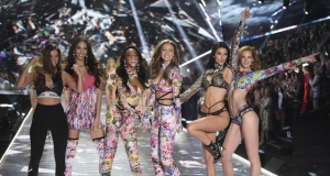 2018 Victoria's Secret defilesinden kareler!