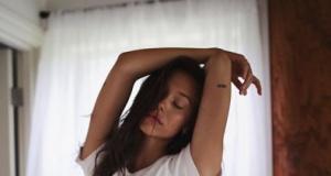Alexis Ren'in seksi paylaşımları