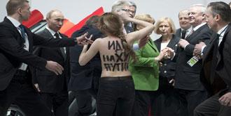 Putin'e Çıplak Saldırı