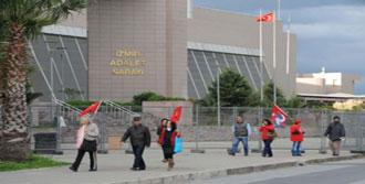 İzmir'de Tarihi Dava! Binler Akın Etti