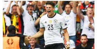 Mario Gomez Resmen Wolfsburg'ta