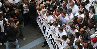 Brezilya'da Petrol Kavgası