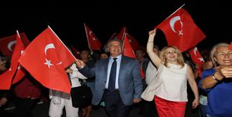 Karşıyaka Festivalle Şenlendi