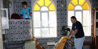 Buca Camilerinde Ramazan Temizliği