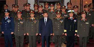 Mursi Generallere Sahip Çıktı