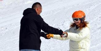 Palandöken'de Snowboard Öğreniyor
