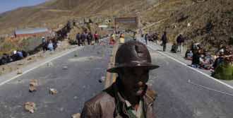 Madenciler Yolları Kapattı!