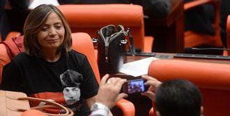 Meclis'e Atatürk Tişörtüyle Geldi