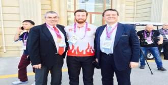 Türk Bayrağı'nı Erkan Taşıyacak