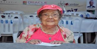 101 Yaşındaki Okurlarıyla Buluştu