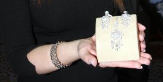 'Evlilik Festivali'nde mücevherler ilgi çekti