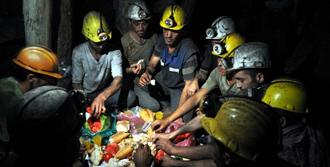 Madencilerden İlk Sahur Geldi