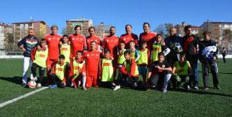 Futbolun Ustaları Tatvan'da Gençlerle Buluştu
