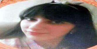 19 Yaşındaki İlknur, Kanserden Öldü