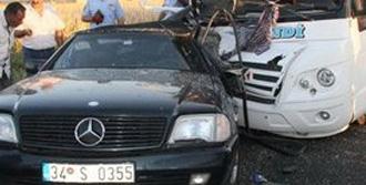 Akhisar'da Trafik Kazası: 14 Yaralı