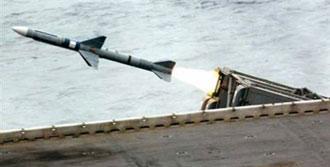 İsrail Suriye Uçağını Vurdu
