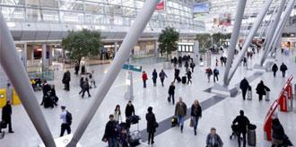 Havaalanı'nda 14 Türk Yolcu Bekletiliyor