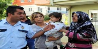 2 Çocuğunu Alevlerin Arasından Kurtardı