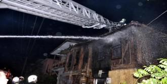 2 Katlı Tarihi Binada Yangın
