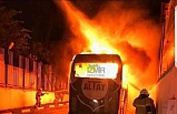 Altay takım otobüsü alev alev yandı