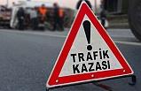 İzmir'de servisle otomobil çarpıştı: 25 yaralı