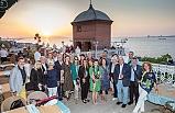 Macaristan'dan gelip, İzmir'i fotoğrafladılar!