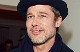 Brad Pitt herkesi şaşırttı!