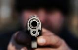 Dövdü, bıçakladı, sonra da tabancayla öldürdü!