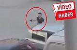İzmir'de güpegündüz çatışma çıktı: Bornova'da akılalmaz görüntüler