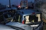 Zincirleme kazada 12 araç birbirine girdi