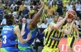 Fenerbahçe Doğuş, şampiyonluğa koşuyor